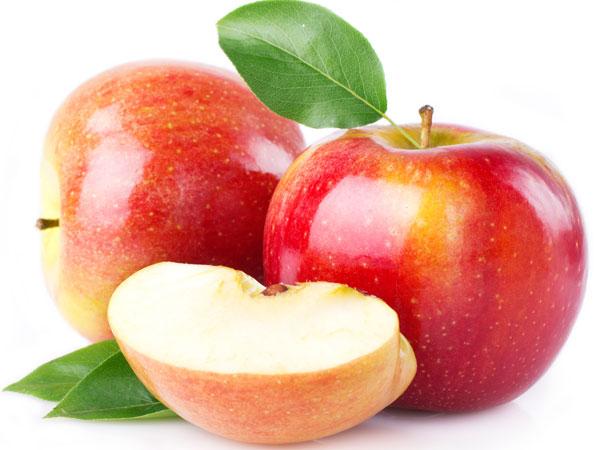 Táo, dưa chuột và rau diếp: Hỗn hợp này giúp bạn cải thiện tiêu hoá, chữa trị bệnh táo bón và làm dịu dạ dày, ruột.