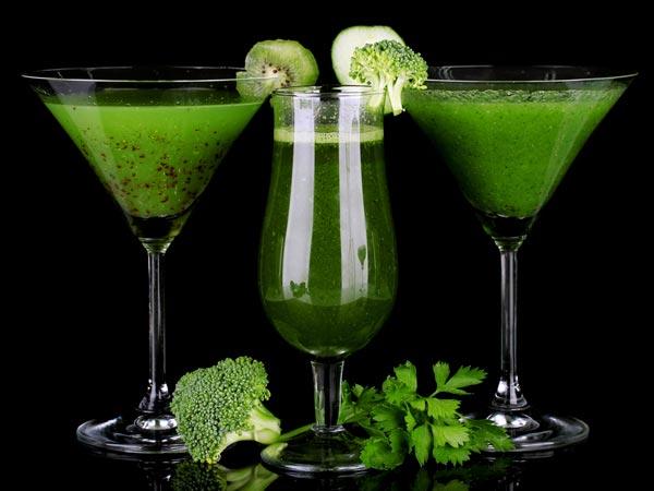 Bông cải xanh, đu đủ và lá bạc hà: Nước trái cây này có chứa enzyme giúp hỗ trợ tiêu hoá, nó xử lý khí và đầy hơi trong dạ dày của bạn.