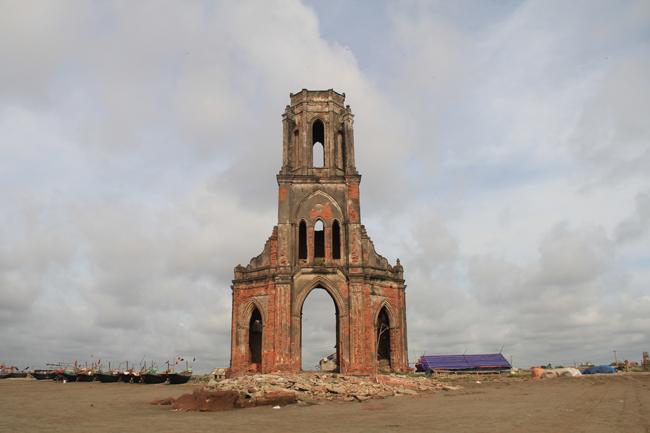 Tại xã Hải Lý (Hải Hậu - Nam Định) có gần 20 nhà thờ và phần lớn người dân ở đây theo đạo.