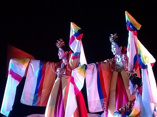 Festival di sản Quảng Nam 2017: Thanh cao mà sáng tạo, nhiệt thành mà sâu lắng - Ảnh minh hoạ 4