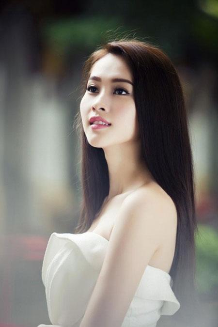 Hoa hậu Đặng Thu Thảo ngày càng xinh đẹp.