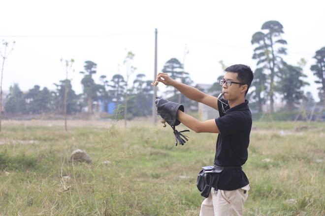 Huấn luyện kỹ năng bắt mồi nhanh của chim.